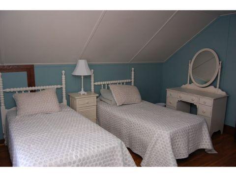 45 Summit Road bedroom 2